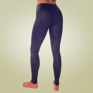 Onzie black magic full length leggings M/L